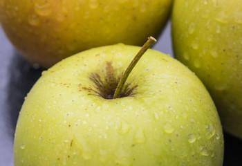 yellow green wet apple macro