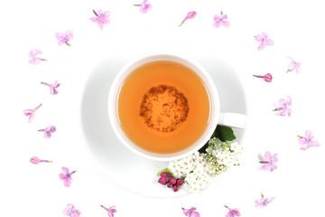 чай напиток в чашке рядом лежит мята и специи