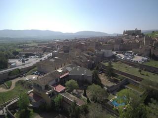Montblanc / Montblanch, pueblo de Tarragona en Cataluña (España) capital de la Conca de Barbera. Fotografia aerea con Drone