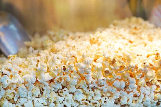 Popcorns in a popcorn machine