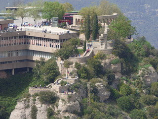 Montserrat, montaña y monasterio cercano a Barcelona en Cataluña (España)