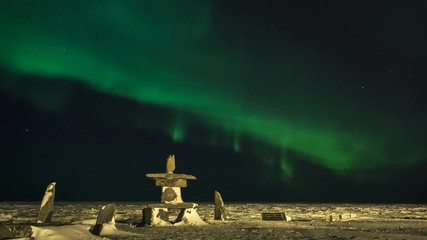 Fototapete - Northern Lights Over Inukshuk Time-Lapse