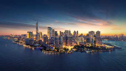 Wall Mural - New York City panorama skyline at sunrise. Manhattan office buildings / skysrcapers at the morning. New York City panoramatic shot.