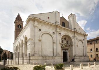 Papiers peints Edifice religieux Malatesta Temple in Rimini. Emilia-Romagna region. Italy