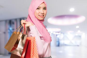イスラム女性とショッピング