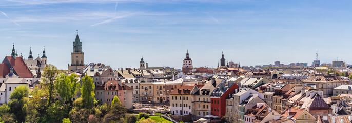 Lublin - panorama starego miasta z widocznym placem Po Farze, i wieżą Trynitarską.