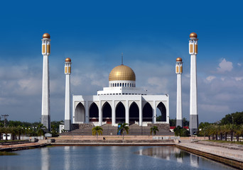 Songkhla central mosque with blue sky background.