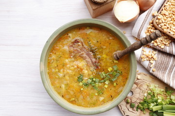 Rustic pea soup with smoked ribs