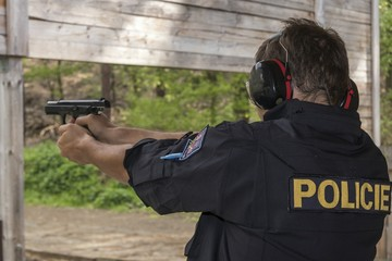Shooting Police officers shoot from gun to target