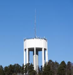 Vattentornet i Gustavsberg en klar vårdag