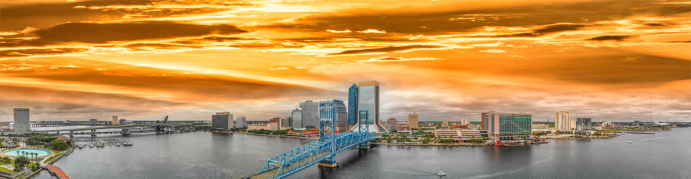 Panoramic aerial view of Jacksonville at sunset, Florida