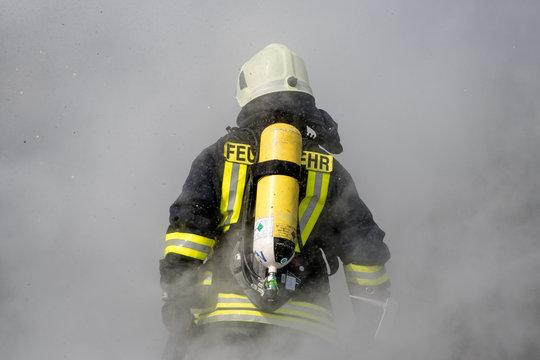 Feuerwehrmann im Einsatz