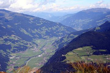 Das schöne Zillertal mit Blick auf Mayrhofen