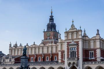 La halle aux Draps sur la place Rynek Głowny
