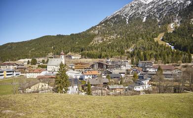 Alpines Dorf in Österreich – Stockfoto