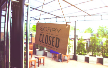 Coffee shop is closed in holiday weekend