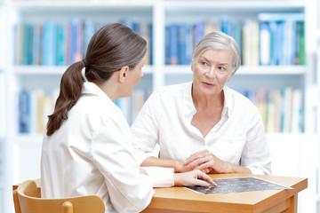 patient doctor ct-scan brain
