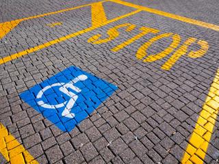 Stop, Behinderte