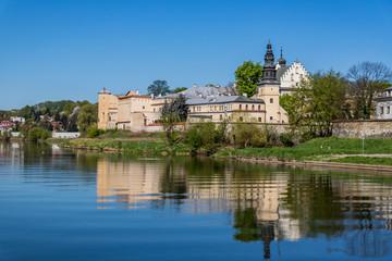 L'église Salwator de Cracovie vue depuis Le Vistule