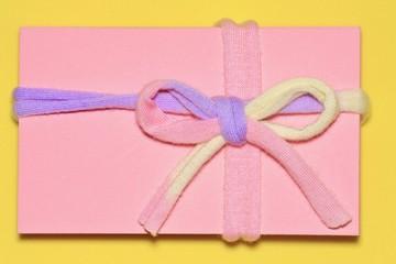 ピンク色のギフトイメージ