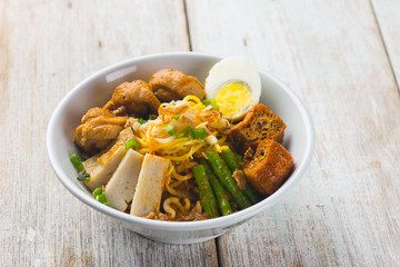 curry chicken noodle