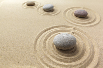 Türaufkleber Zen-Steine in den Sand zen garden meditation stone background