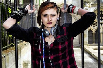 Portrait d'une jeune fille punk