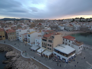 Drone en L´Escala pueblo de costa de el Emporda  en Gerona, Costa Brava (Cataluña,España). Fotografia aerea con Drone.