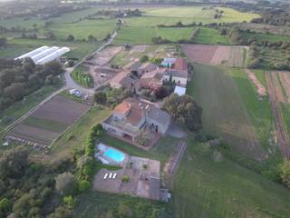 Drone en Llabia, pueblo de Torroellla de Montgri en el Emporda  en Gerona, Costa Brava (Cataluña,España). Fotografia aerea con Dron.