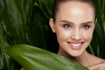 Natural Skin Beauty. Beautiful Woman With Healthy Face