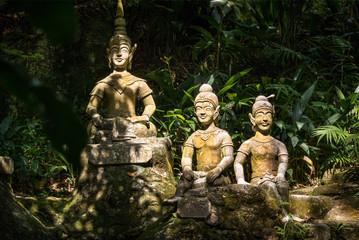 Statuen im Secret Buddha Garden auf Samui, Thailand