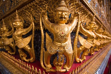 Golden statue of Thailand Palace 1