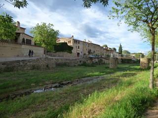 Monells, pueblo del Emporda  en Gerona, Costa Brava (Cataluña,España)