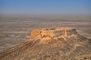 Papiers peints Fortification Ayaz Kala #2 - small hilltop mud-brick fort in Kyzylkum desert, Uzbekistan