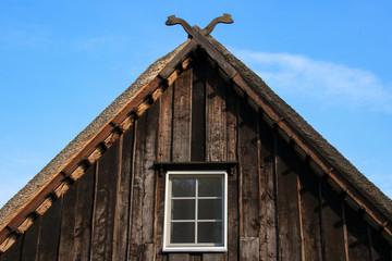 Dachgiebel, kultische Schlangenköpfe, Symbol, Spreewald