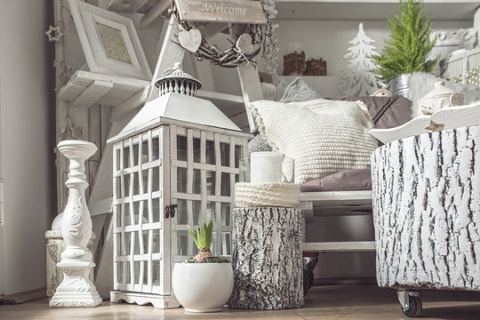 Interior decoration in white shabby look