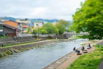 川辺の散策風景