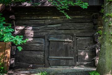 Türe zum alten Weinkeller