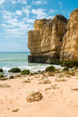 Fototapete - Beautiful sandy beaches and turquoise ocean in Algarve, Portugal