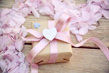 Grußkarte - Geschenk mit Herz - Muttertag, Geburtstag, Hochzeit