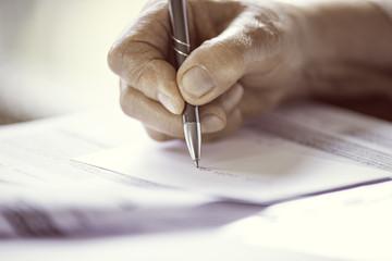 soft focus pen writing