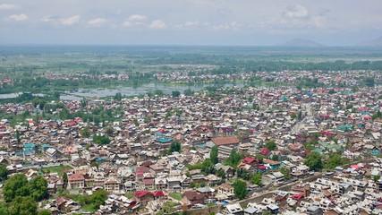Ausblick über den Dal See und Srinagar in Kashmir, Indien