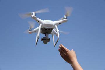 ドローン 小型無人機