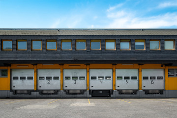 Lager Halle Gebäude mit Laderampe Tor