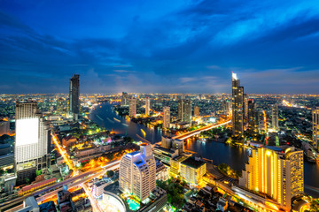 Fototapete - Sunset scence of Bangkok skyline Panorama and Skyscraper