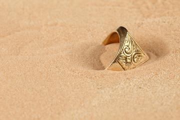 Lost golden ring
