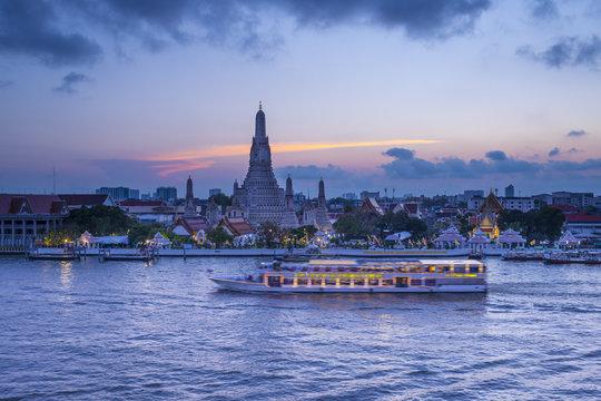 Wat Arun (Temple of Dawn) and Chao Praya River, Bangkok, Thailand