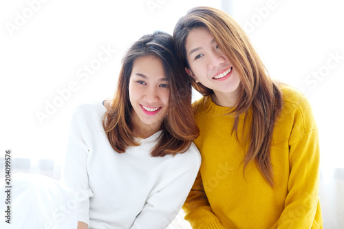 bee branch single lesbian women Someone you can love is nearby browse profiles & photos of single women in clinton, ar join matchcom, the leader in online dating with more dates, more relationships and more marriages than any other dating site.