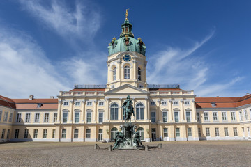 Fototapeten Schloss Facade of Schloss Charlottenburg palace in Berlin, Germany - Europe