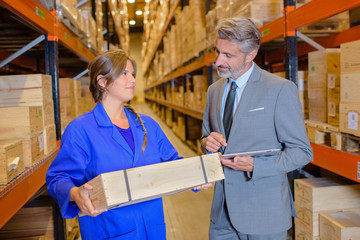 materials recording clerk with a shipping worker